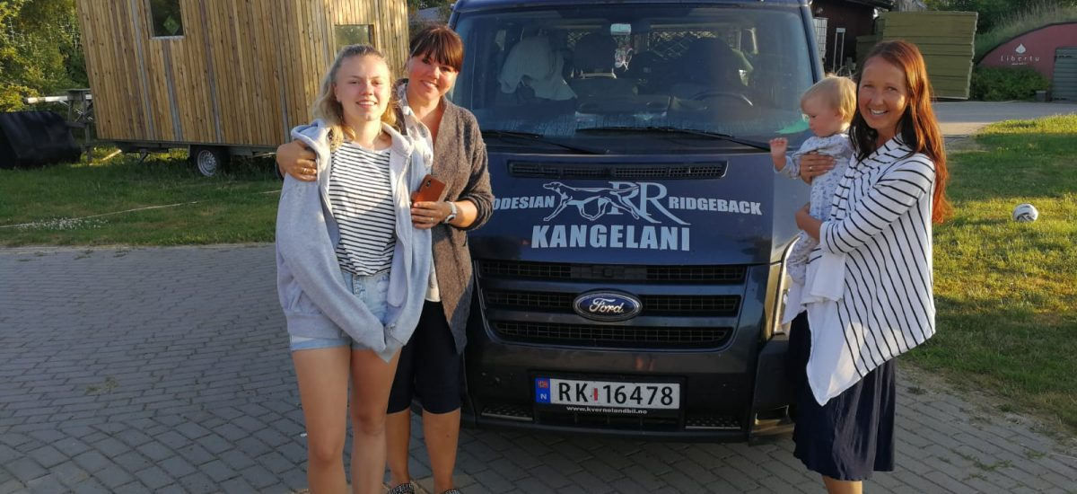 Marit from 🇳🇴 visits puppies